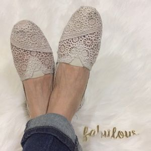 TOMS cream lace slip on shoes